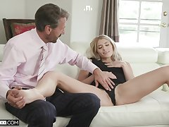 Hot vixen Nikki Peach throat fucked during excellent situation