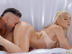 Thick belle feels entire hammer ramming her in hardcore