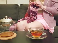 Cosy Diaper Wend While Knitting And Drinking Tea