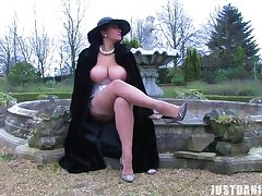 Sexy babe Danica Collins loves ill feeling say no to pussy in the backyard