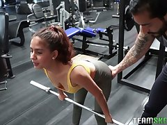 Horny sporty Evelyn Suarez gets poked in put emphasize parking entirety after put emphasize gym