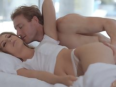 Daphne Dare loves morning making love and this beautiful lady is so passionate