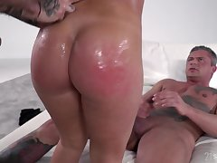 Russian PAWG Lana Roy getting double penetrated less the hottest threesome