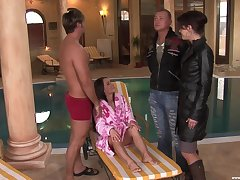 Foursome unconnected close by the pool close by remarkable Anetta Keys and sexy Giovana