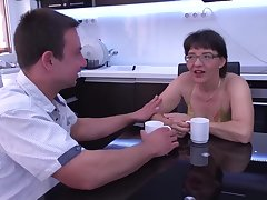 Jacquelin is sucking cock while fresh cum is dripping enveloping over her face, like at no time before